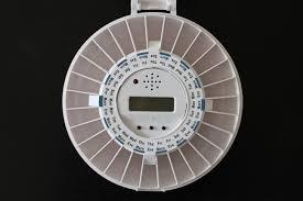 automaatne tablettide jaotur lukustatav alarmiga vilkuriga