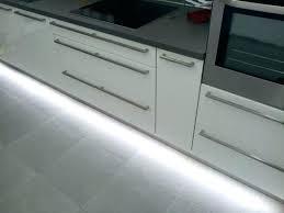 plinthe alu cuisine plinthes de cuisine plinthe de cuisine des rubans de led placacs au