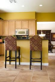 what color of paint looks good with natural maple cabinets maple