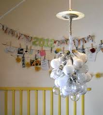 Light Bulb Chandelier Diy Diy Light Bulb Cluster Chandelier Creative Diy Lamps Chandeliers