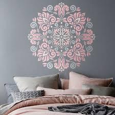 schablone wandgestaltung mandala schablone blumen muster für diy wand dekor modern home