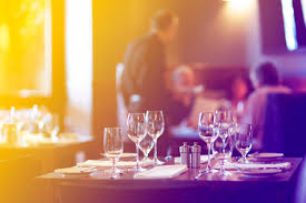 dining etiquette rules for dining at a restaurant reader u0027s digest