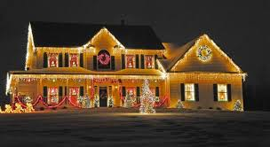 outside christmas lights 25 mesmerizing outdoor christmas lighting ideas ideachannels