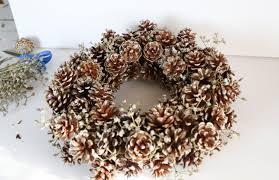 pinecone garland pine cone wreath diy winter decor tutorial