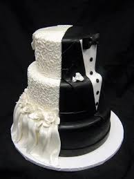 a wedding cake cool idea for a wedding cake half and half www brayola