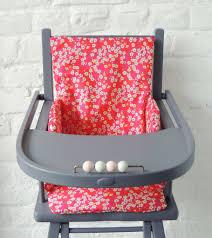 assise chaise haute de la couleur demeure des anges