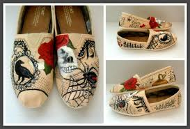 Wedding Shoes Toms Bride U0027s Wedding Story Painted Authentic Toms Alternative Bridal