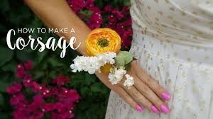 How To Make A Wrist Corsage How To Make A Corsage Youtube