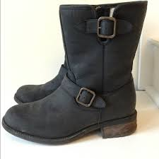 s ugg australia chaney boots 78 ugg boots ugg chaney boots 8 5 from s closet on