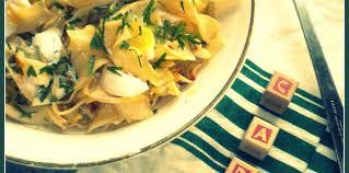 cuisiner des pates fraiches salade de pâtes fraîches façon carbonara facile et pas cher