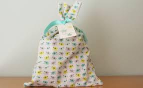 best gift wrap just make stuff best awkward gift wrap