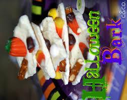 fall halloween pics fall crafts salty and sweet halloween bark crystalandcomp com