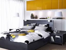 chambre avec lit noir porte fenetre pour lit ado avec tiroir inspirant chambre coucher