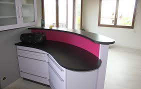 plan de cuisine en granit bar et plan de travail en granit noir letano cuisine