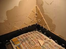 poser carrelage mural cuisine maison des près pose du carrelage mural pratiquement fini