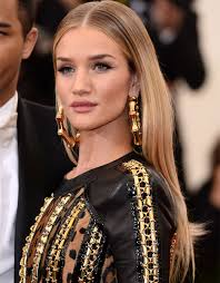 victoria secret hair cut coolest haircuts for fall jen atkin layering and haircuts