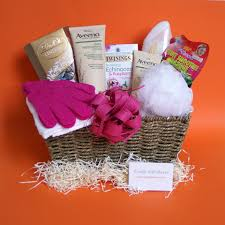 Baskets For Gifts Bath Pampering Gift Hampers Gift Baskets For Her With Uk