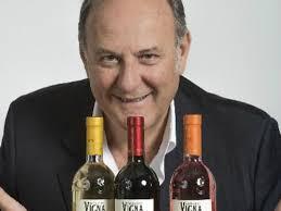 vinitaly gerry scotti presenta la sua linea di vini vinoway com