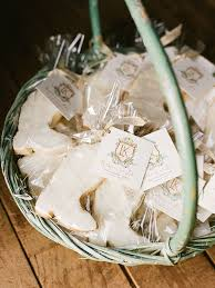edible wedding favor ideas 15 edible wedding favors your guests will
