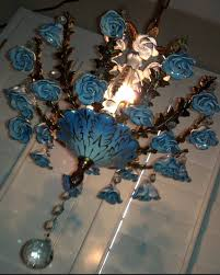 porcelain chandelier roses 19 best capodimonte images on chandeliers