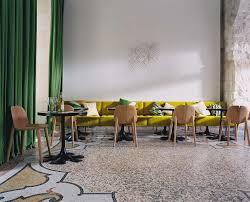 chambres d hôtes à arles hôtel du cloître les maisons d arles