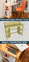 Building A Wooden Desktop by Best 25 Diy Computer Desk Ideas On Pinterest Computer Rooms