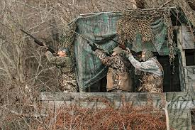 How To Make A Duck Blind The 6 Worst Guys To Hunt With In A Duck Blind Outdoor Life