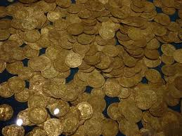 Gold Coins Found In California Backyard Us Couple Finds 10 Million In Gold Coins While Walking Their Dog