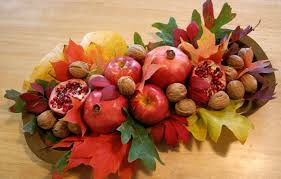 Autumn Table Decorations Fall Table Decorations Diy Composition Autumn Leaves Nuts