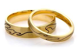 ethical wedding bands our guide to some of the best eco chic and ethical engagement and