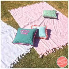 Outdoor Blanket Target by How To Make An Outdoor Movie Blanket From A 5 Bed Sheet
