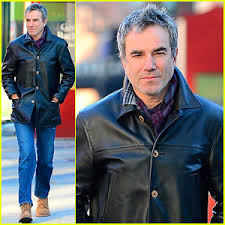 daniel day lewis is quitting acting u2013 read statement daniel day