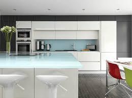 plan de travail cuisine en verre plans de travail pour cuisine équipée