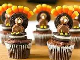 thanksgiving turkey cupcakes decorated reeses oreos clevver