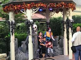 live blog the first mickey u0027s not so scary halloween party of 2017