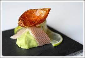 cuisiner l anguille anguille fumée et purée d avocat au citron vert en amuse bouche