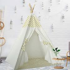 tipi enfant chambre tipi enfant point jaune avec tapis pour chambre de garçon ou fille