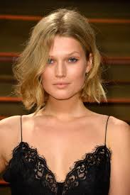 are side cut hairstyles still in fashion 2015 toni garrn messy cut toni garrn short hairstyle and shorts