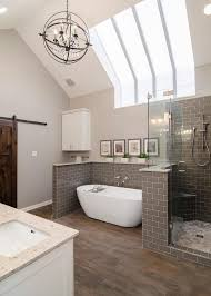 Spa Bathrooms by Top 25 Best Bathroom Chandelier Ideas On Pinterest Master Bath