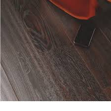 Grey Laminate Flooring B Q Dolce Richmond Dark Oak Effect Laminate Flooring 1 37 M Pack
