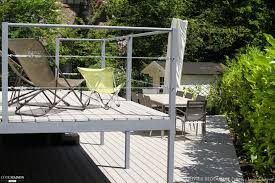 terrasse suspendue en bois un jardin plusieurs terrasses olivier bedouelle côté maison