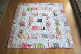 36 ways to make a quilt from baby clothes this summer on the big