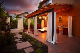 outdoor spa and kitchen design and construction eugene
