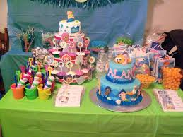 food ideas for bubble guppies party bubble guppies sweet table