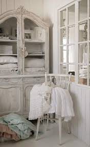 Shabby Chic Decorating Blogs by 2690 Best All White Shabby Chic Interior Images On Pinterest