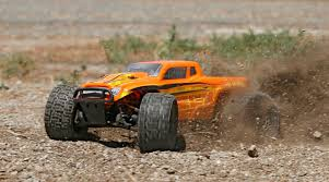 monster jam 1 24 scale trucks 1 18 ruckus 4wd monster truck rtr orange yellow horizonhobby