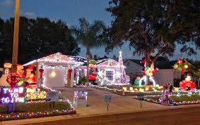 where to see sensational holiday lights in tampa