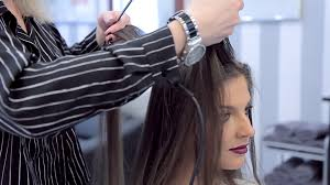 ripple hairstyle barber makes a ripple on the hair at the roots to add volume