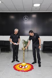 mercedes benz ceo mercedes benz sets a new benchmark in customer orientation