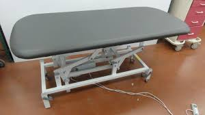 refurbished exam tables for sale refurbished st1561 115t 1wf exam table for sale dotmed listing